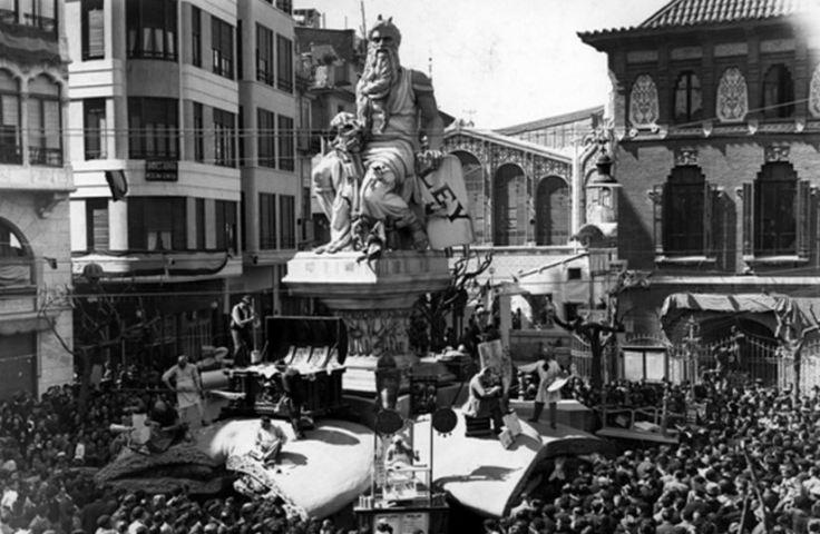Falla Plaça del Mercat (1944). 'La llei de l'embut'.