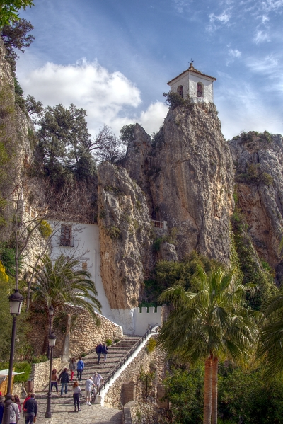 torre-penyal_dalcala_-_el_castell_de_guadalest_-_province_of_alicante_spain_-_7_april_2012